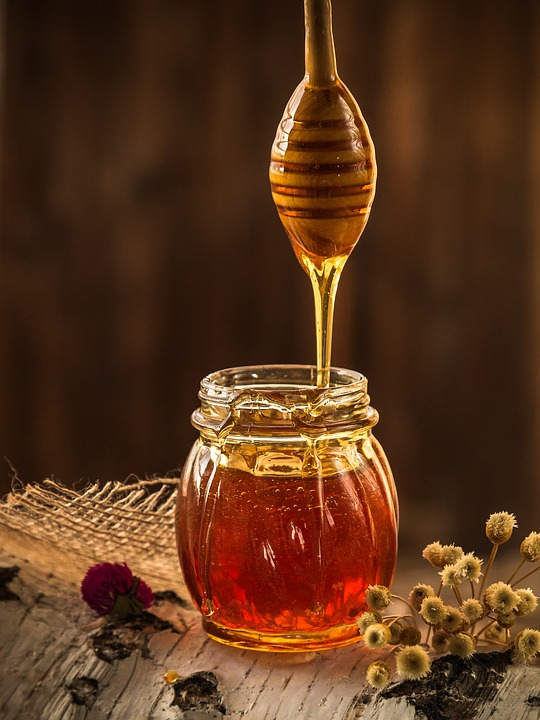 The best options for honey are Manuka honey and the unheated (raw), local and organic honey.
