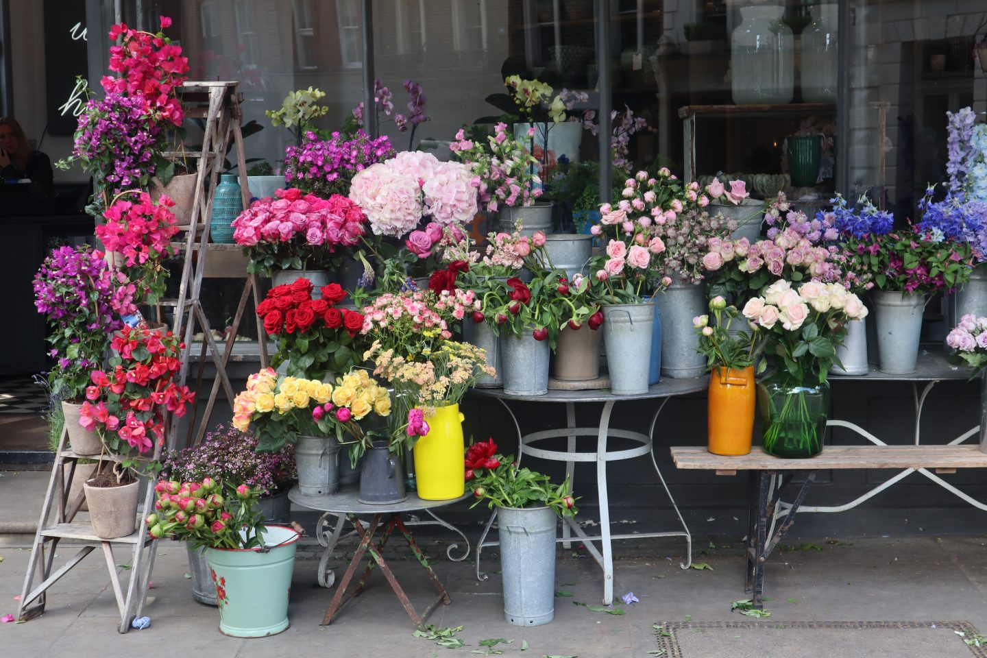 Flowers all around- 3 Beautiful Spring Walk in London